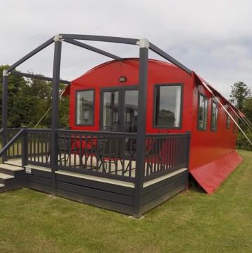 Hay Safari Lodge (Red)